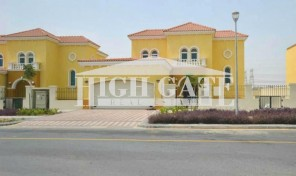 Grab the Opportunity!!!! Fabulous 3 BR Large Legacy Villa for sale in Jumeirah Park