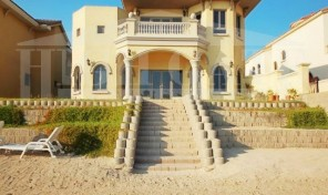 Beautiful! 5 bed + Maid's room villa in Central Rotunda, Garden Homes, Palm Jumeirah