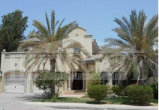 Good Location! 4 bed + Maid's room villa in Grand Foyer, Garden Homes, Palm Jumeirah