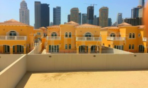 Amazing Skyline View 5Bed Legacy Villa in Jumeirah Park