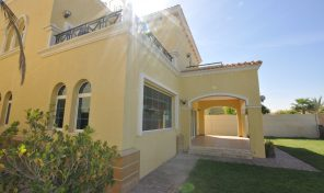 Vacant on Transfer 4 Bed Large Legacy Villa