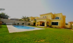Vacant on Transfer 4 Bed Legacy Villa with Pool